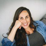 """עו""""ס מאיה קורן וידר, רכזת טיפול בעמותת אחת מתשע"""